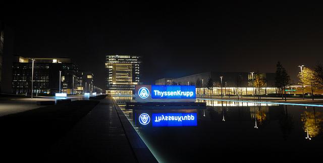 ThyssenKrupp bei Nacht